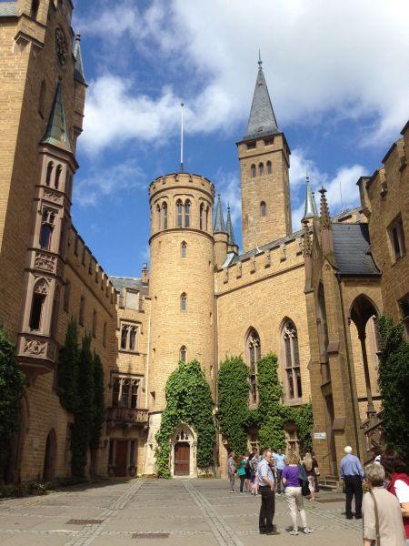 Im Innenhof der Burg Hohenzollern